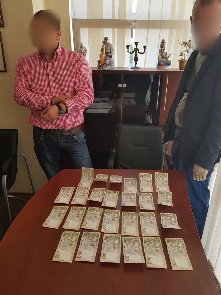 Преподаватель киевского вуза задержан по подозрению во взятке