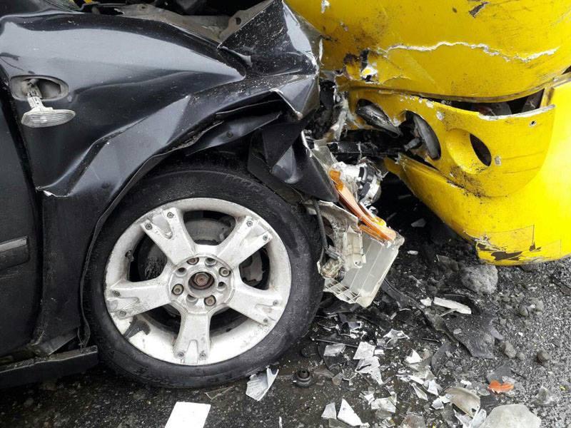 В Мариуполе произошла авария: один погибший и восемь пострадавших