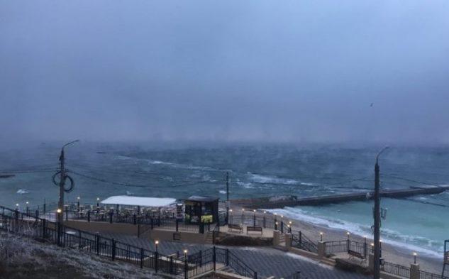 Море «випарувалося»: вОдесі зняли на відео унікальне явище