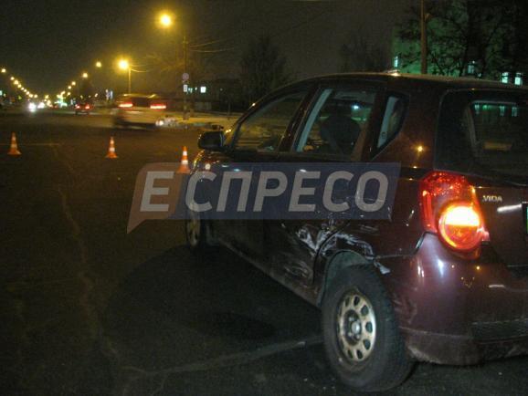 Нетрезвый шофёр влетел вженщин впроцессе оформления ДТП вКиеве