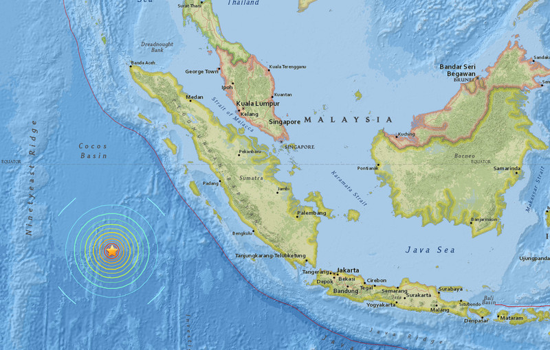 Индонезия отменила предупреждение о цунами после землетрясения