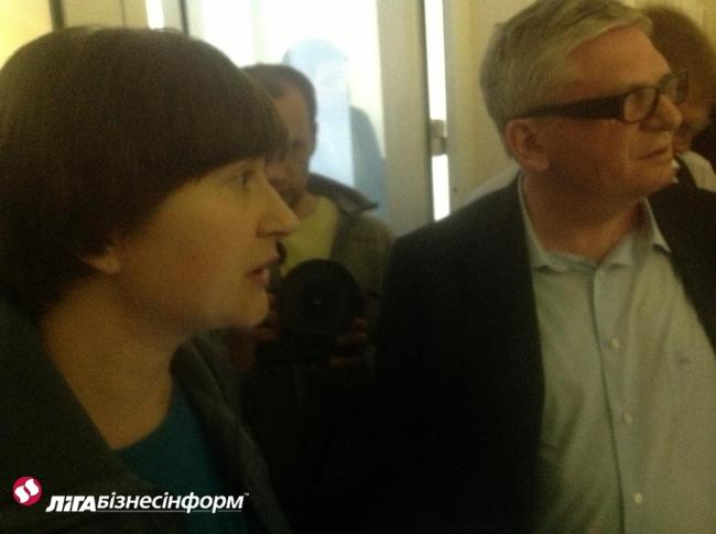 Охорона ТВі не пускає Кагаловського в офіс каналу: відео, фото