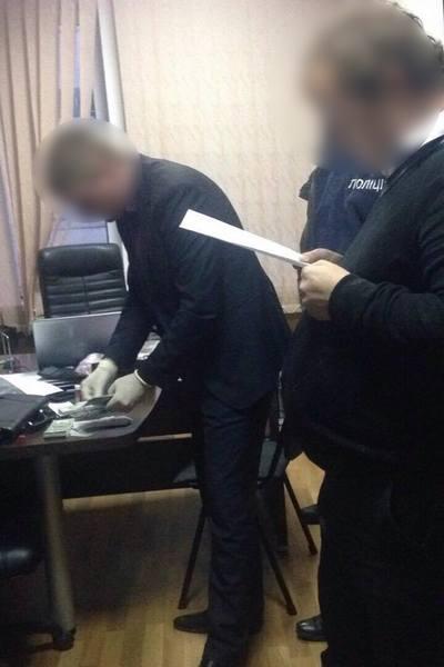 В Харьковской области чиновники ГП попались на взятке в $37 тыс