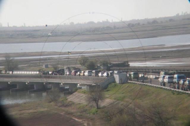 Оккупанты прекратили пропуск в Крым напротив Чонгара и Чаплинки