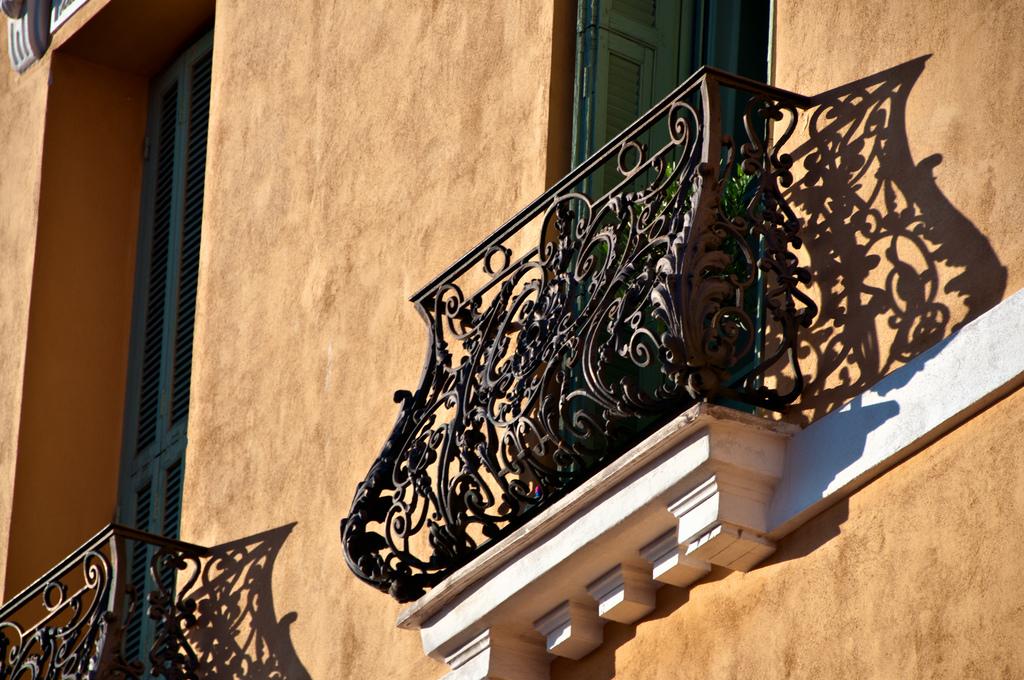 Французские балконы - все, что вы хотели узнать.