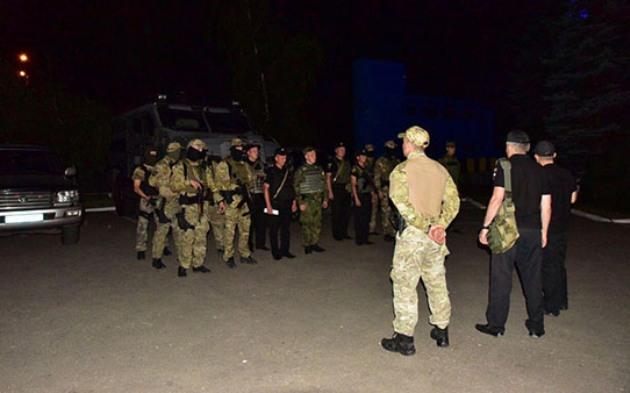 Мариуполь патрулирует спецподраделение КОРД: фото