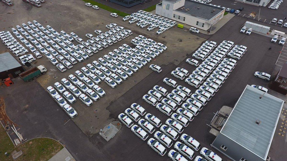 В Украину прибыла партия из 635 гибридных Mitsubishi для полиции