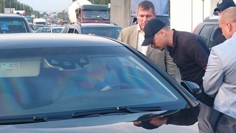 Полиция в Киеве задержала автомобиль Григория Суркиса: фото
