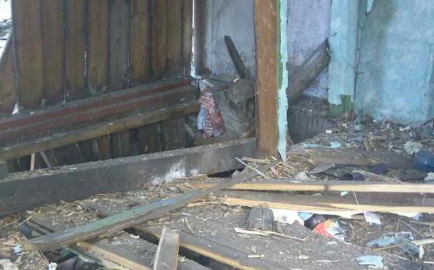 Обстрел Золотого: здешние  власти докладывают  о9 поврежденных домах