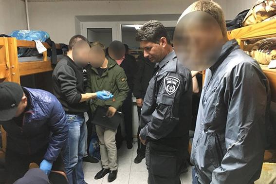 В Умани у паломника из Израиля нашли партию каннабиса - фото