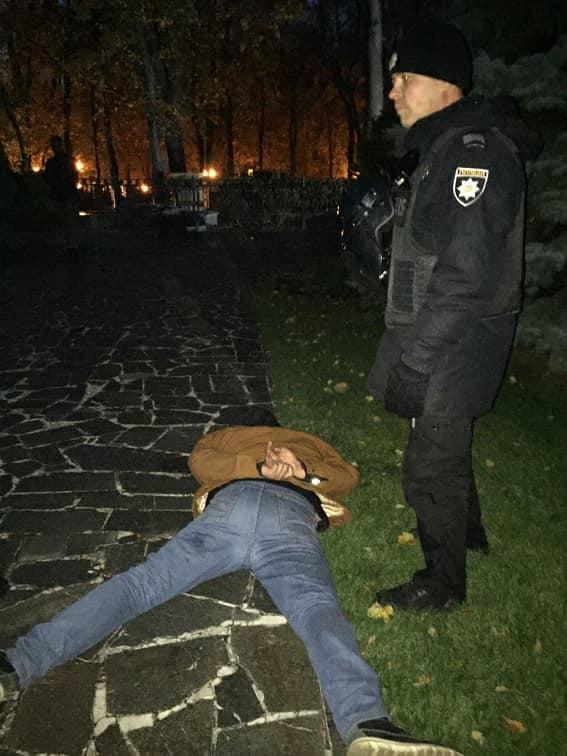 В ходе потасовки под Радой пострадал полицейский