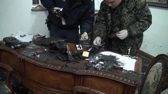 Вибух букета в київському офісі: відео та фото наслідків