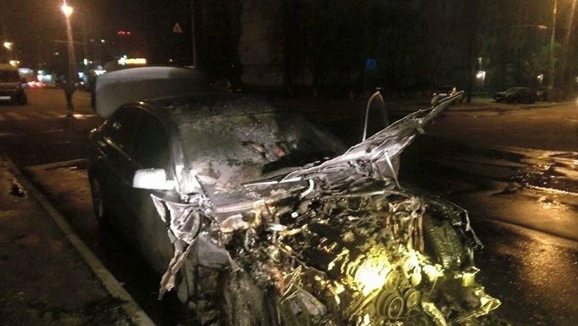 Неизвестные подожгли машину и.о. главы Укрзализницы