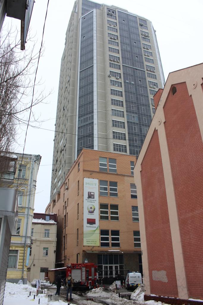В Киеве произошел пожар в бизнес-центре