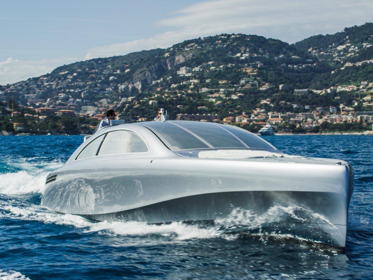 Mercedes впервые выпустил яхту: фото
