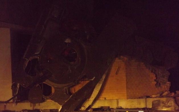 ВЛуганске взорвали монумент погибшим десантникам