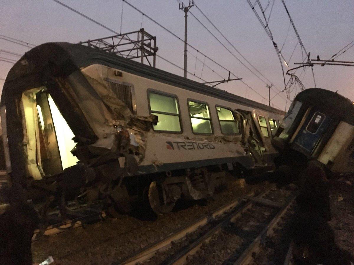 В Италии поезд сошел с рельсов: двое погибших, 10 тяжелораненых