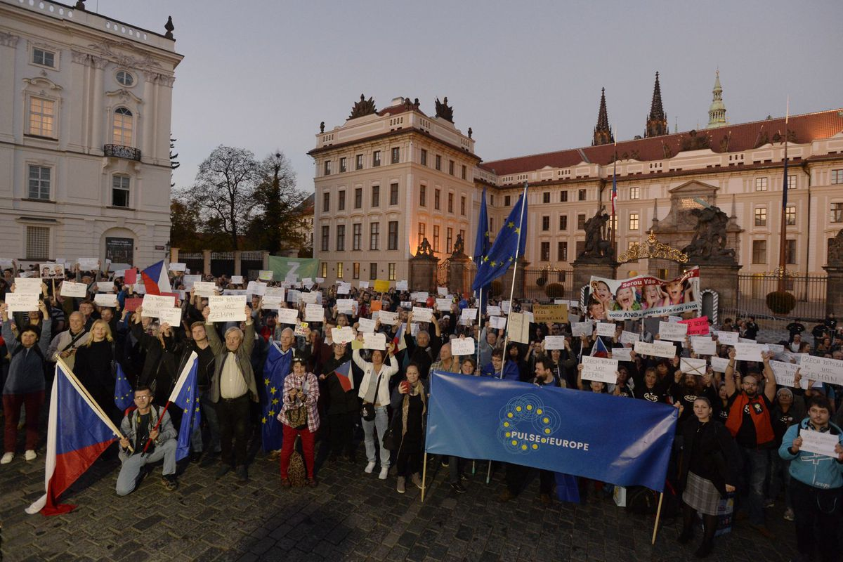 Жители России не планируют платить Украине заКрым— Опрос