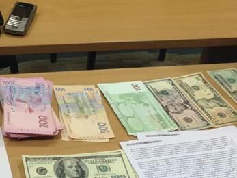 В Харьковской области чиновники ГФС задержаны с поличным: фото