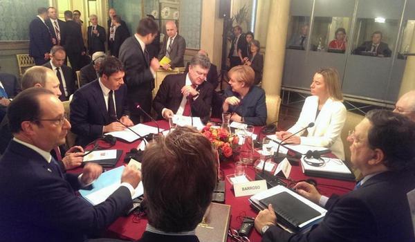 Порошенко, Путин  и лидеры ЕС начали переговоры в Милане