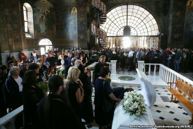 В Киеве похоронили экс-депутата Ирину Бережную: фото