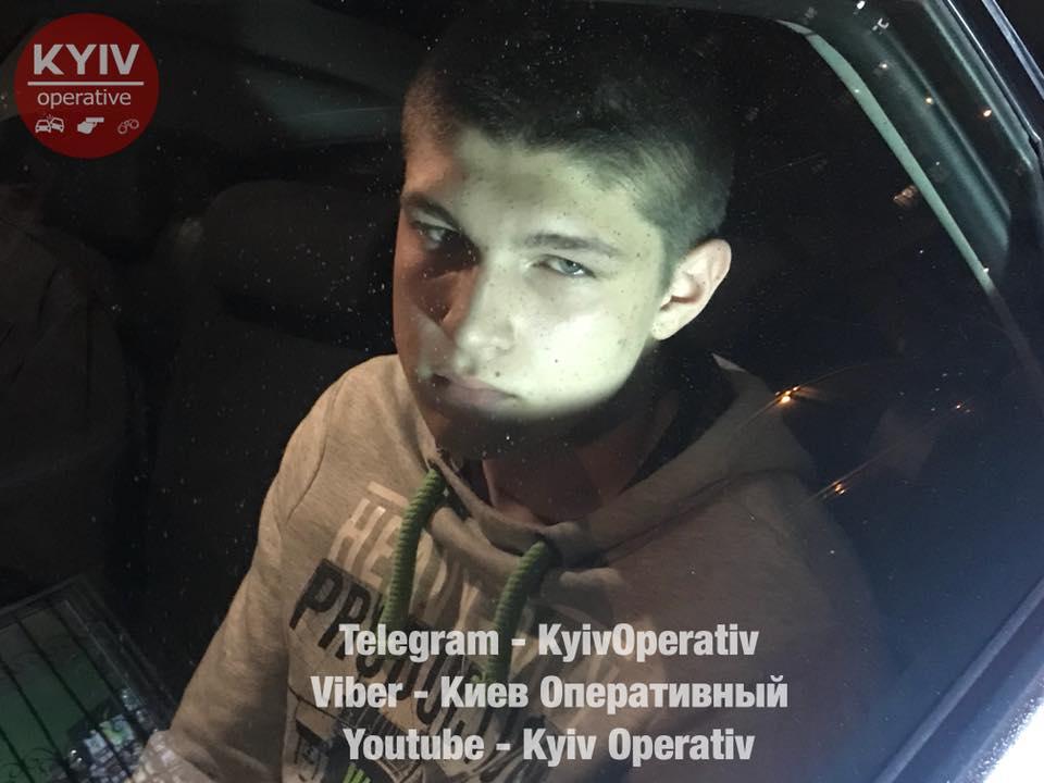 Полиция расследует нападение сына депутата на магазин как разбой