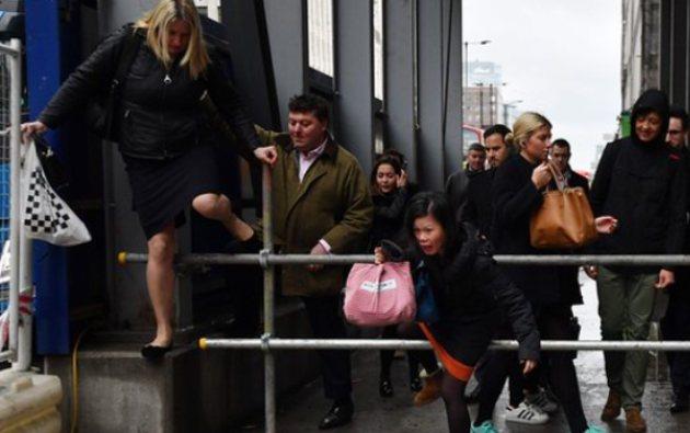 Встолице Англии транспортный коллапс из-за забастовки работников метро