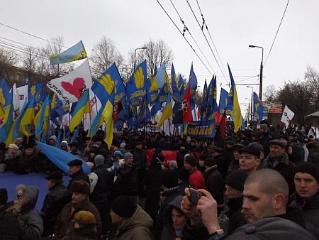 Оппозиция прошлась многотысячным маршем по Тернополю