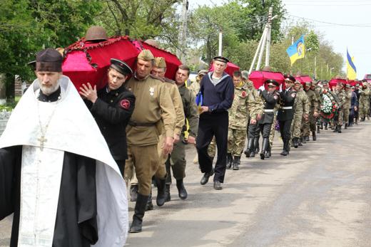 Под Одессой перезахоронили останки защитников города