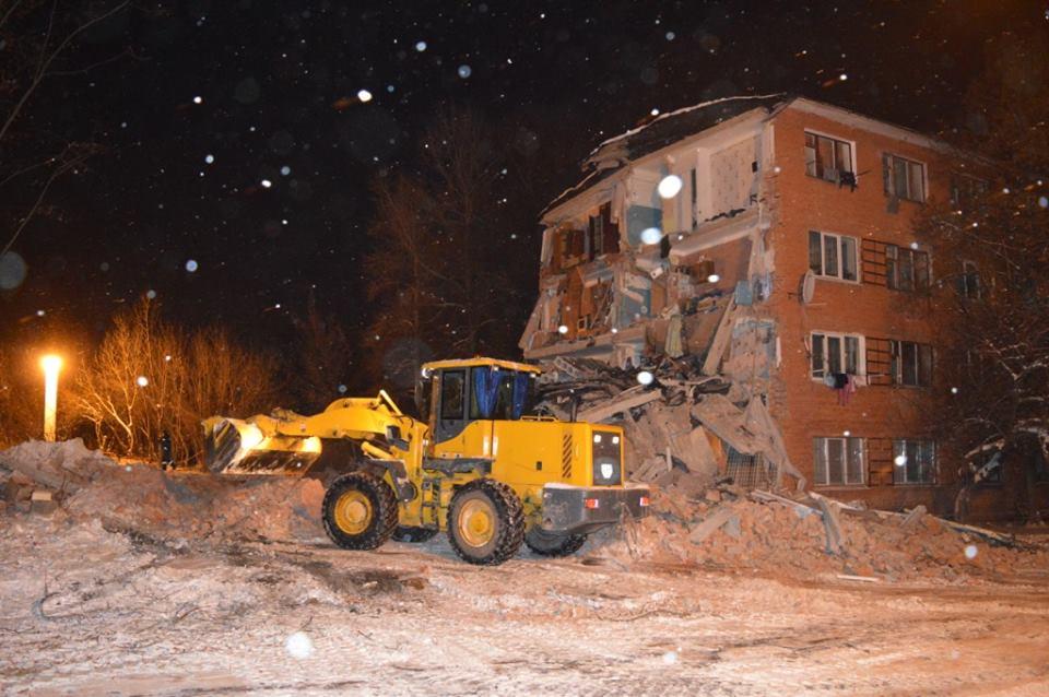 ВЧернигове обрушилось строение общежития, госпитализировано 7 человек, под завалами остаются двое