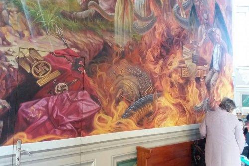 В храме во Львовской области изобразили горящего в аду Путина