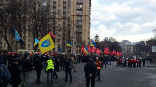 """Активисты Евромайдана готовятся к """"мирному наступлению"""" на Раду"""