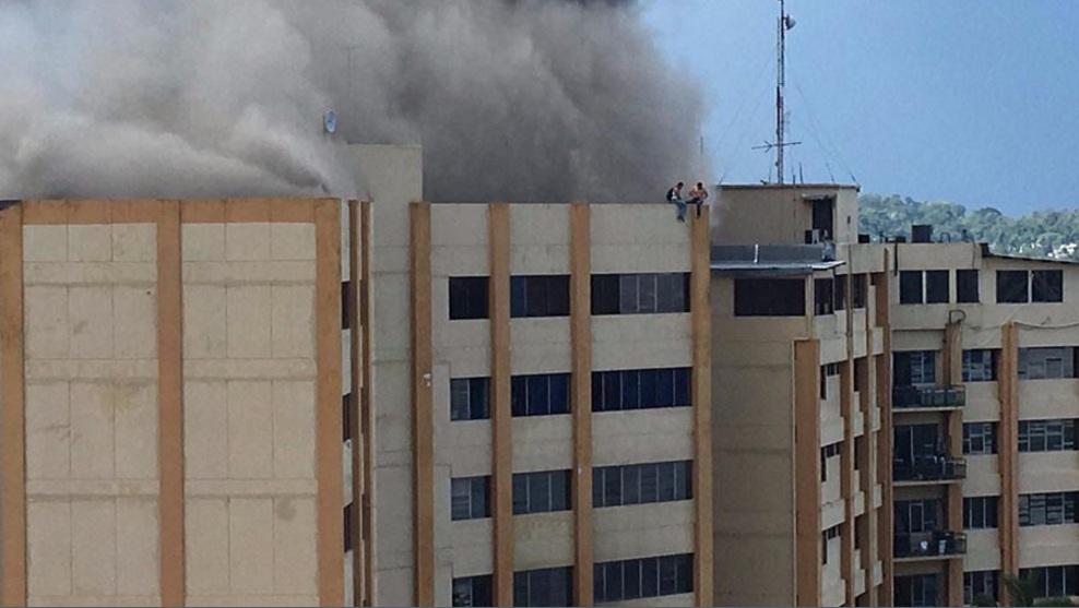 В Сальвадоре горело министерство финансов, двое погибли: видео