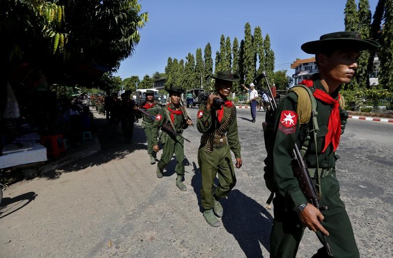 Солдаты Мьянмы.jpg