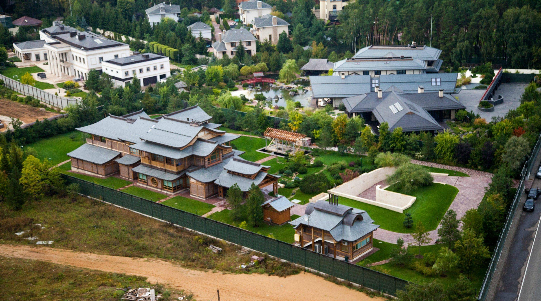 В РФ нашли дворец министра Шойгу по соседству с Януковичем: фото