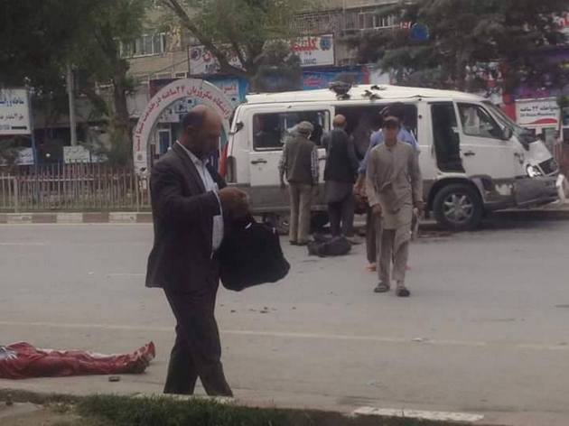 Как минимум 8-ми человек стали жертвами взрыва против конвоя НАТО вКабуле