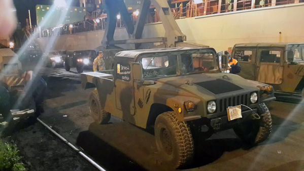В Одессу доставили из США 100 армейских вездеходов Humvee: фото