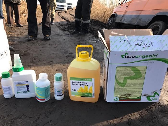 Житель Краснополья хотел вывезти в РФ 5 т гербицидов и пестицидов