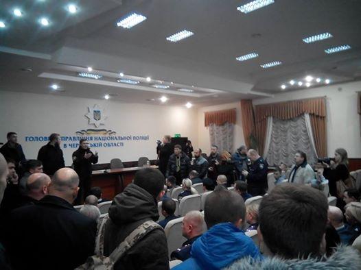 В Черкассах жгут шины: экс-советник Кернеса возглавил полицию