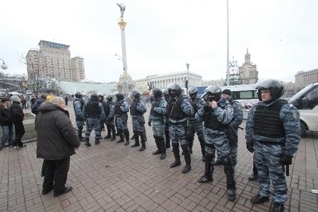 Палатки на Майдане Незалежности в Киеве демонтируют коммунальщики - Цензор.НЕТ 8708