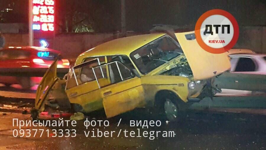 Жуткое ДТП наЛуговой: шофёр ВАЗ навысокой скорости напоролся наотбойник