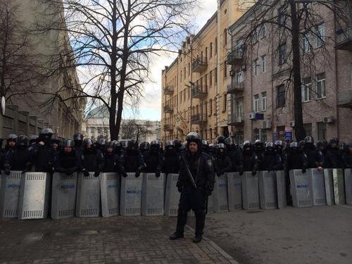 Колонна активистов Евромайдана отправилась к Верховной Раде