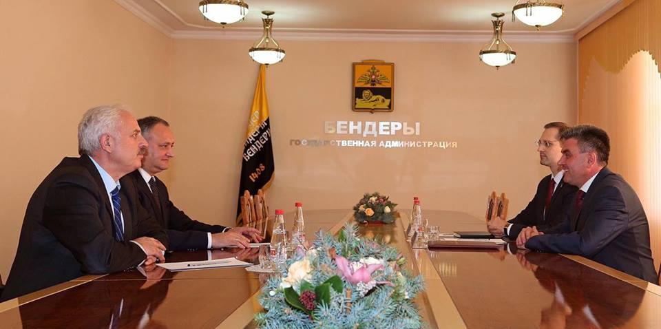Лидер Молдовы встретился с главарем сепаратистов Приднестровья