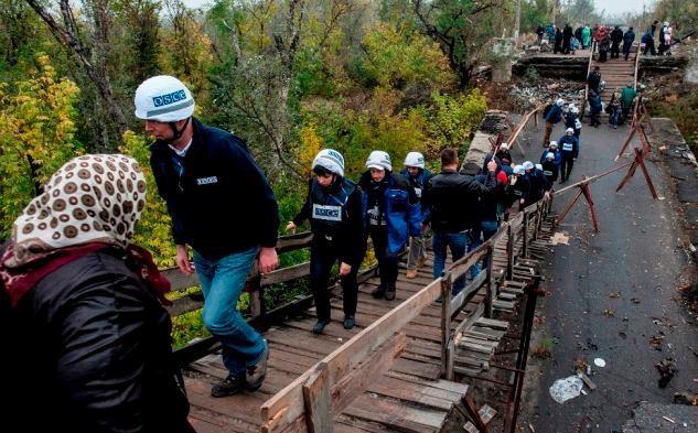 ОБСЕ предупреждает, что мост в Станице может рухнуть: фото
