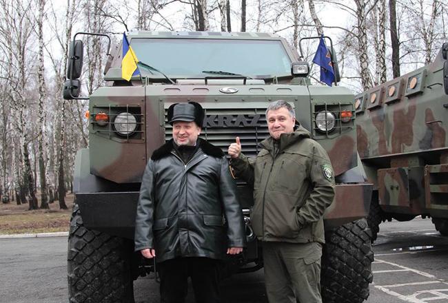 """Для Нацгвардии купят 15 отечественных бронемашин """"Козак"""" - Аваков"""