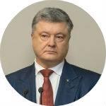 """""""Это вам не цирк"""". Как Порошенко допрашивали в суде по Януковичу"""