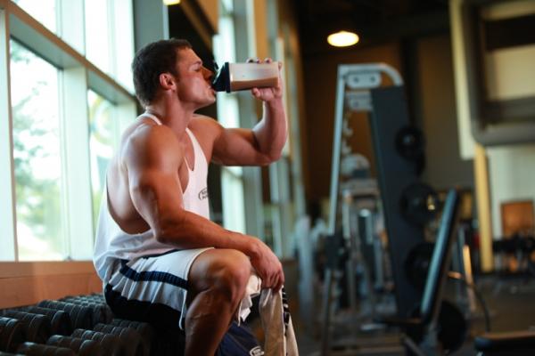 Казеиновый протеин: особенности приема. Преимущества и недостатки