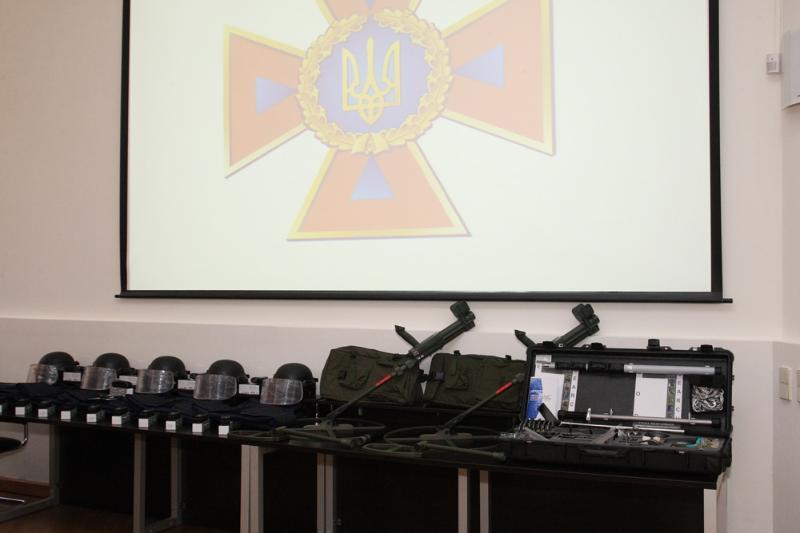 НАТО передало Украине оборудование для разминирования на €64 тыс