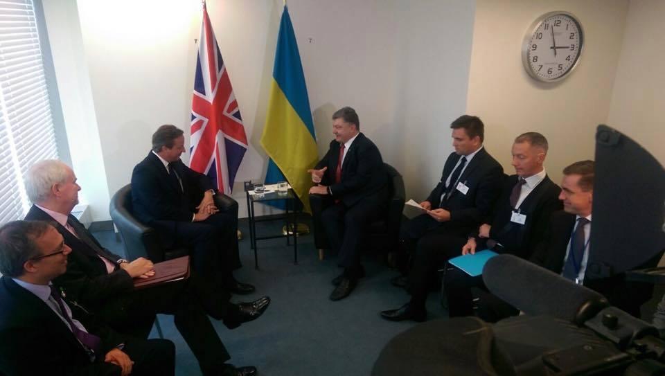 Кэмерон и Меркель в Нью-Йорке пообещали Украине поддержку