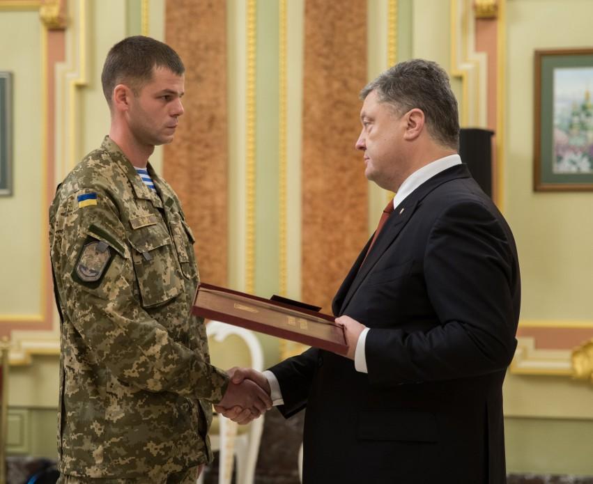 Трое воинов ВСУ удостоены звания Герой Украины, двое - посмертно